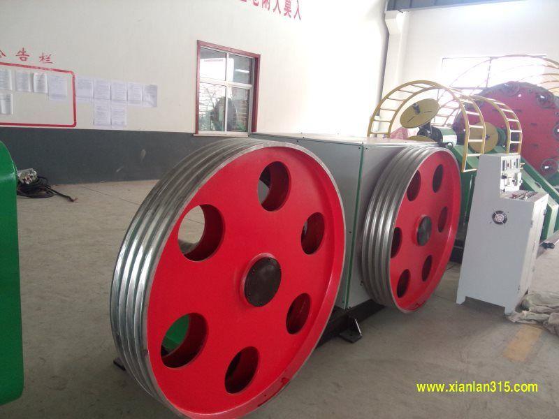 轮式牵引机产品图片展示