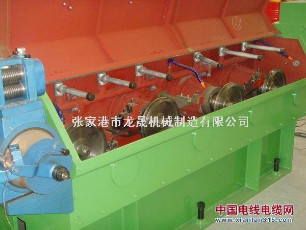 铝线中线拉丝机(链条传动)17D产品图片展示